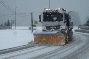 Zimsko vzdrževanje cest in pluženje