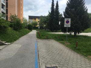 Določitev parkirnega režima v nišah ob intervencijskih poteh